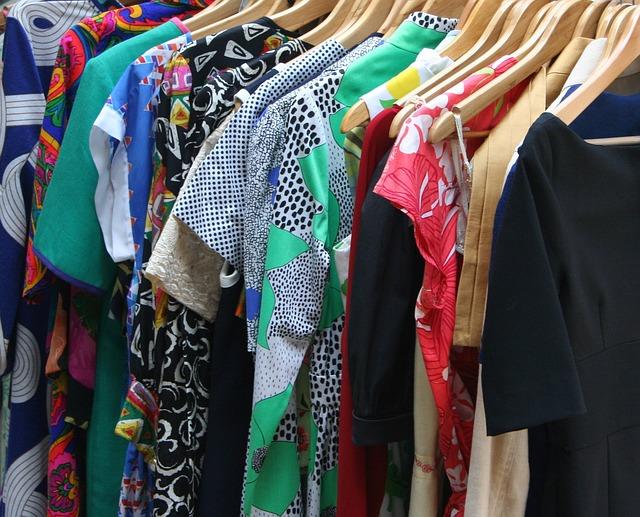 dresses 53319 640