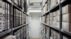 10 Tips To Keep Your Storage Organised