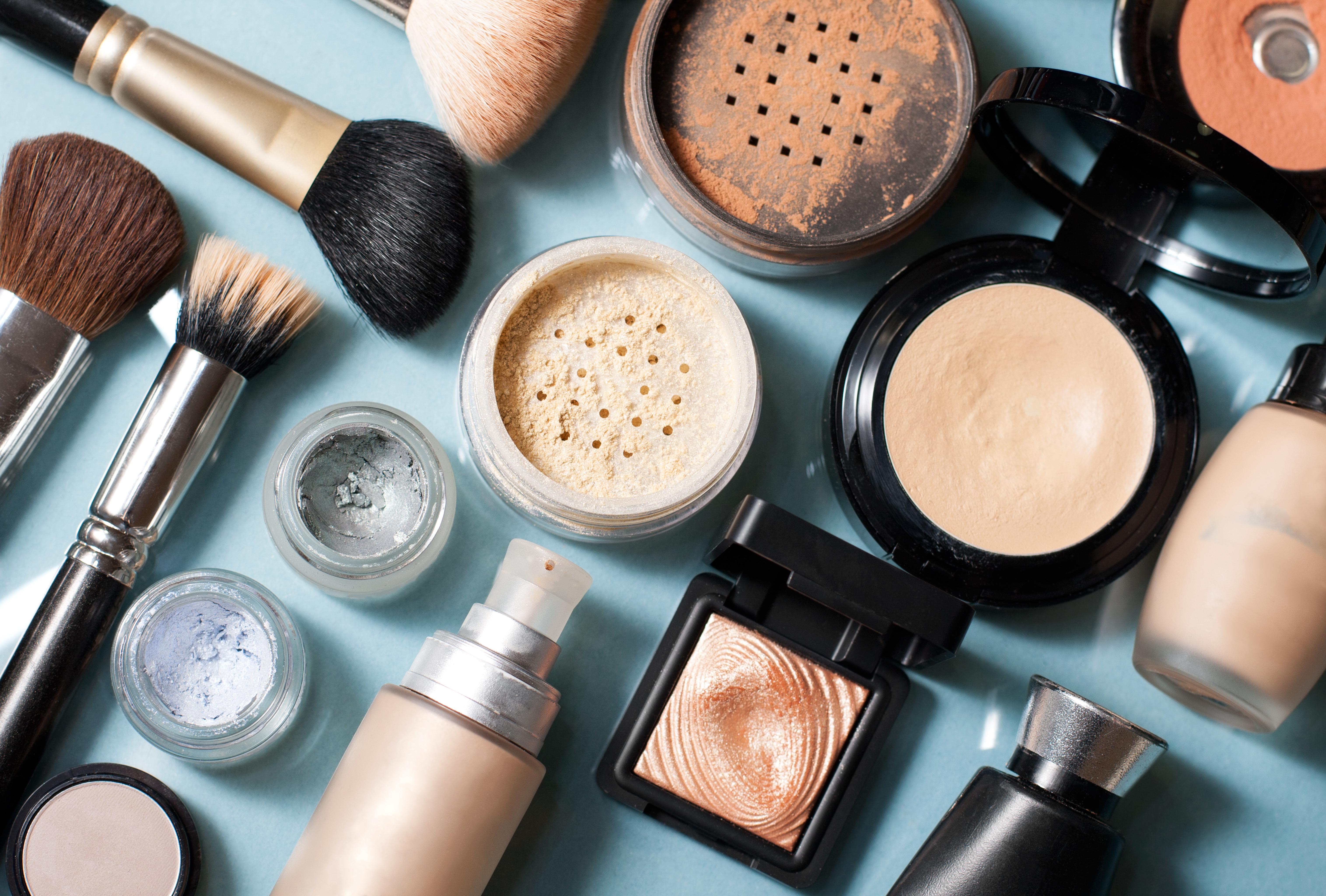 Sheer Glamour: Online Beauty Retailer