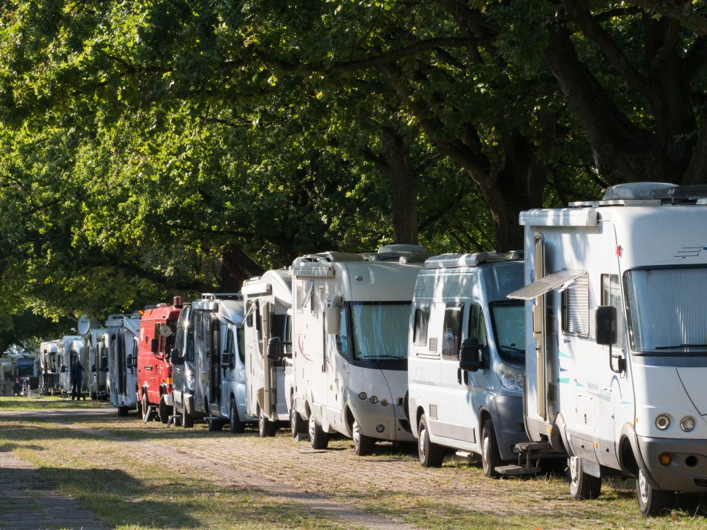 Motoromes, RV's and campervans lined up